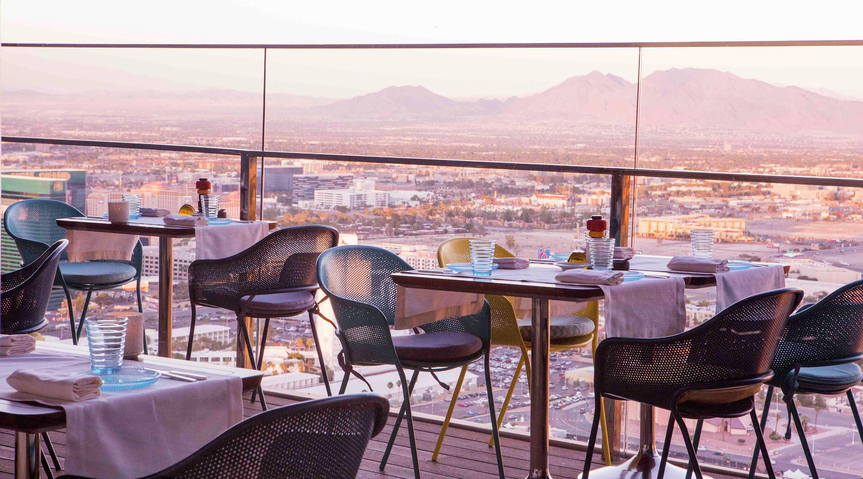 Rivea delano las vegas for Balcony bar restaurant